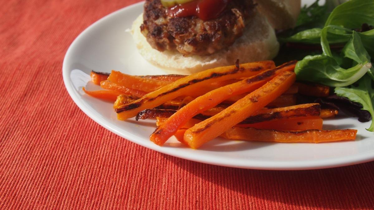 The edges of carrot fries get dark brown, almost black and taste sweet.
